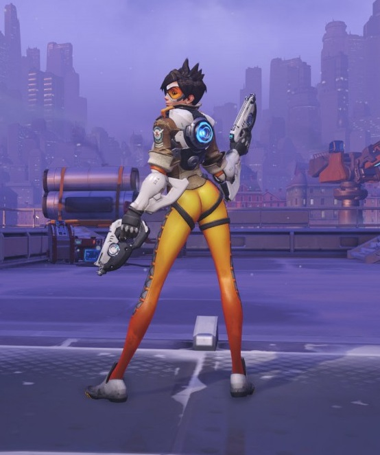 overwatch tracer over the shoulder victory pose 1